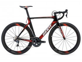 Giant Propel Advanced Pro 1 2018 Road Bike in Black and Red